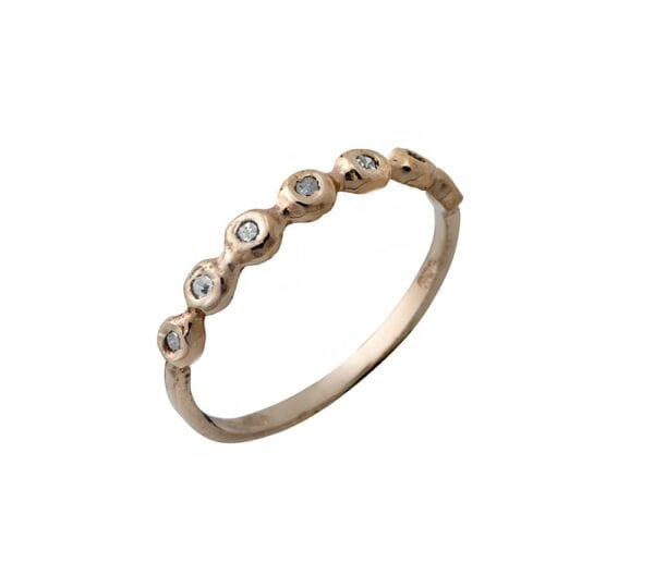 Gold Ring With Round Diamonds
