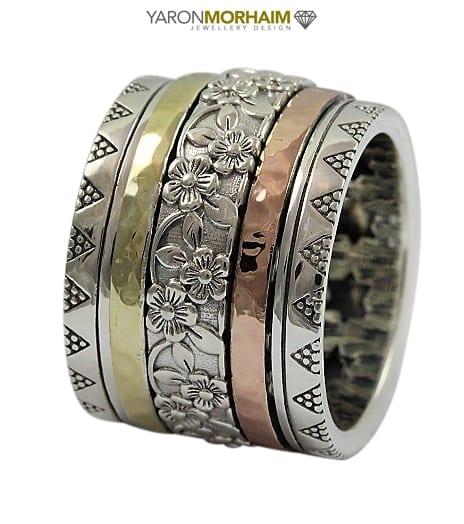 Dazzling Spinning Ring