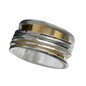 This is an exquisite ring is a magnificent example of fine craftsmanship and striking beauty. The 9ct gold outer band is smooth polished and combines with 4 sterling silver spinning rings.