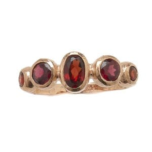 9ct Gold Oval & Round Faceted Garnet Ring
